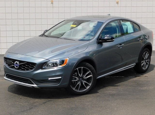 2017 Volvo S60 T5 AWD Cross Country Sedan