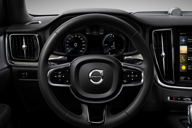 2020 V60 Cross Country Dashboard
