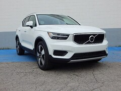 New 2019 Volvo XC40 T5 Momentum SUV for Sale in Overland Park, KS
