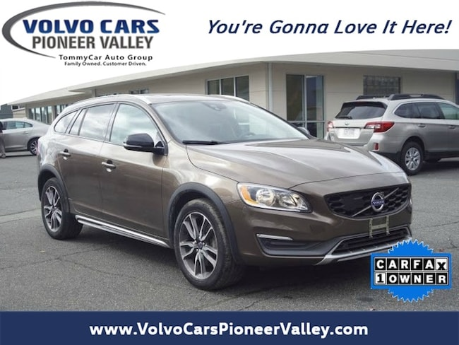 2015 Volvo V60 Cross Country T5 Wagon