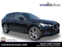 2018 Volvo XC60 T5 AWD Momentum SUV LYV102RK5JB118392
