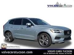 2018 Volvo XC60 T6 AWD Momentum SUV YV4A22RK9J1095990