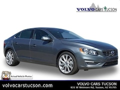 2018 Volvo S60 T5 Inscription Sedan LYV402HK1JB174182