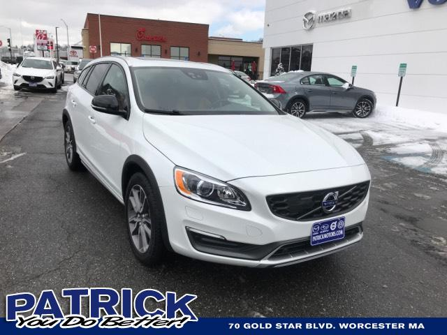 2016 Volvo V60 Cross Country 4dr Wgn T5 Platinum AWD Station Wagon