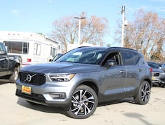 New Volvo Models for sale 2019 Volvo XC40 T4 R-Design SUV YV4AC2HM6K2092475 in Burlingame, CA