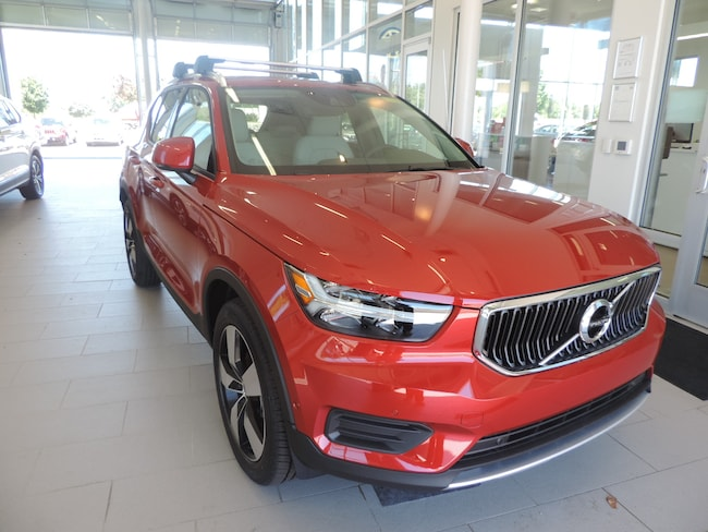 New 2019 Volvo XC40 T4 Momentum SUV YV4AC2HKXK2050681 for sale in Burlington, NC at Volvo Cars Burlington