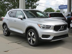 New 2019 Volvo XC40 T5 Momentum SUV YV4162UK5K2131052 for Sale in Charlotte, NC at Volvo Cars Charlotte