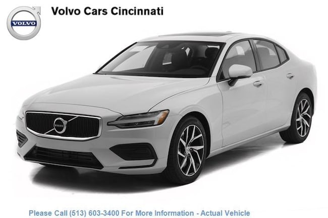 New 2019 Volvo S60 T6 Momentum Sedan in West Chester OH