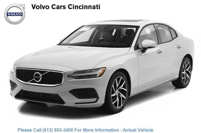 New 2019 Volvo S60 T6 Momentum Sedan in Cincinnati