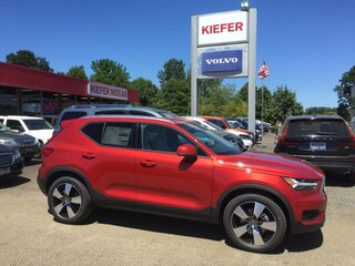 New  2019 Volvo XC40 T4 Momentum SUV in Corvallis, OR