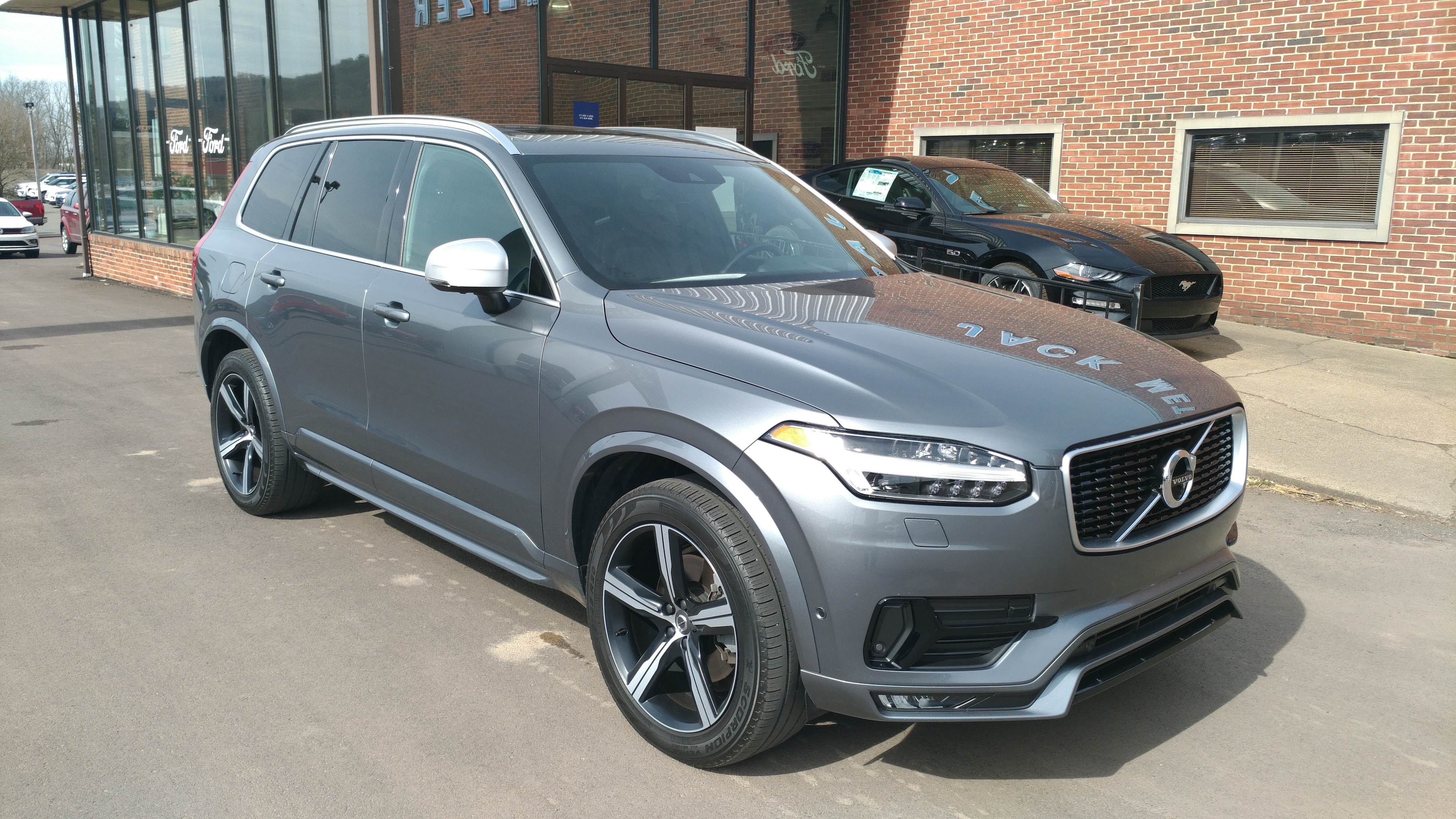 Used 2016 Volvo XC90 T6 R-Design AWD SUV for sale in Danville, PA