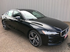 New 2019 Volvo S60 T5 R-Design Sedan 7JR102FM3KG005179 for Sale in Edinburg, TX
