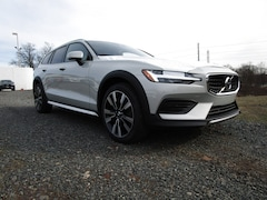 New 2020 Volvo V60 Cross Country T5 Wagon in Edison