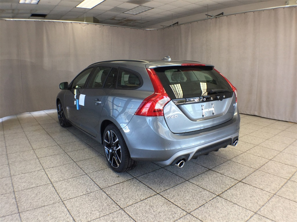 2018 volvo t5 dynamic. simple 2018 new 2018 volvo v60 t5 dynamic wagon v80109 for sale in lisle il on volvo t5 dynamic