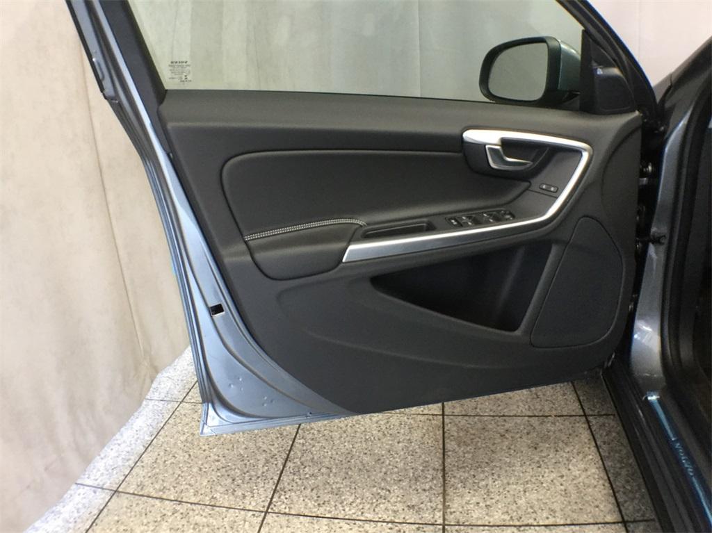 2018 volvo t5 dynamic. perfect 2018 new 2018 volvo v60 t5 dynamic wagon v80109 for sale in lisle il inside volvo t5 dynamic
