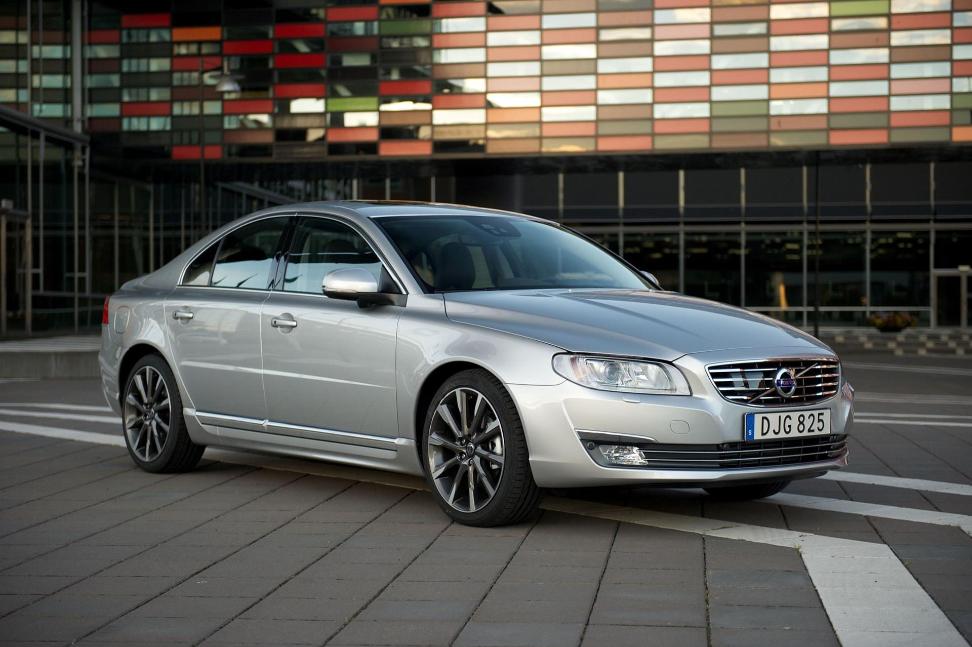 2016 Volvo S80 >> 2016 Volvo S80 Well Equipped For The Money Volvo Cars Lisle