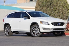 New Volvo 2018 Volvo V60 Cross Country T5 AWD Wagon for sale in Seaside, CA