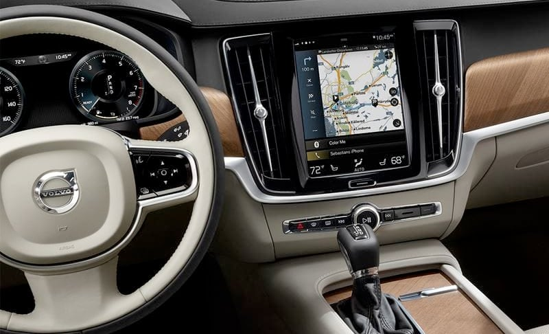 2019 Volvo S90 - Technology