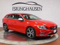 Certified Pre-Owned 2017 Volvo V60 T6 AWD R-Design Platinum Wagon YV149MSS1H1337306 in Springfield, IL