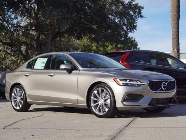 New 2019 Volvo S60 T6 Momentum Sedan in Tampa, FL