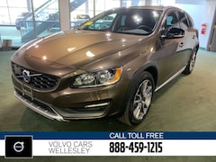 Certified Pre-Owned 2016 Volvo V60 Cross Country T5 Wagon YV4612HK0G1018900 in Wellesley, MA