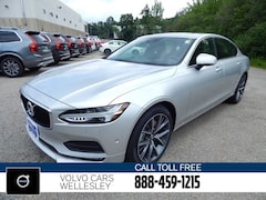New 2018 Volvo S90 T6 AWD Momentum Sedan V18019 for sale in Wellesley, MA