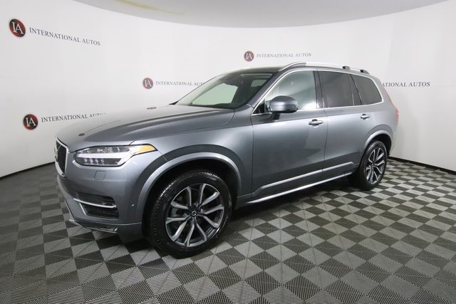 pre-owned 2019 Volvo XC90 T6 AWD Mom T6 Momentum SUV for sale in Orland Park, near Chicago, IL