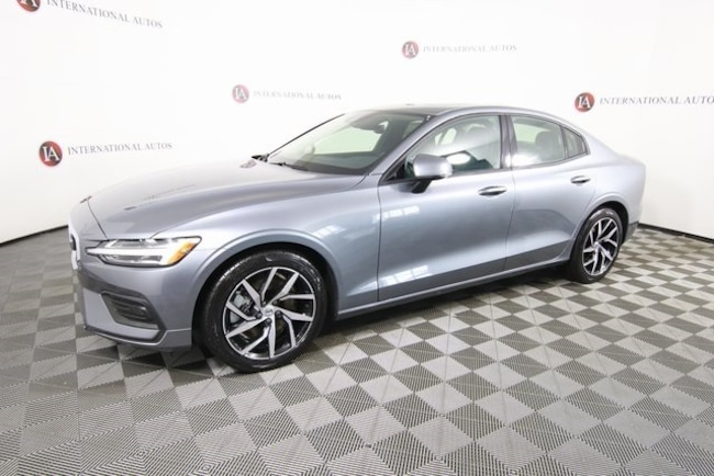 New 2019 Volvo S60 T6 Momentum Sedan for sale in Tinley Park, IL