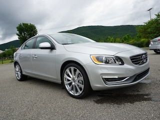 New 2018 Volvo S60 T5 Inscription AWD Platinum Sedan LYV402TM8JB159395 for Sale in Roanoke, VA