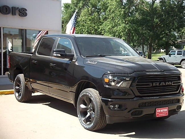 New 2019 Ram 1500 BIG HORN / LONE STAR CREW CAB 4X4 5'7 BOX Crew Cab for sale in Cooperstown, ND at V-W Motors, Inc.