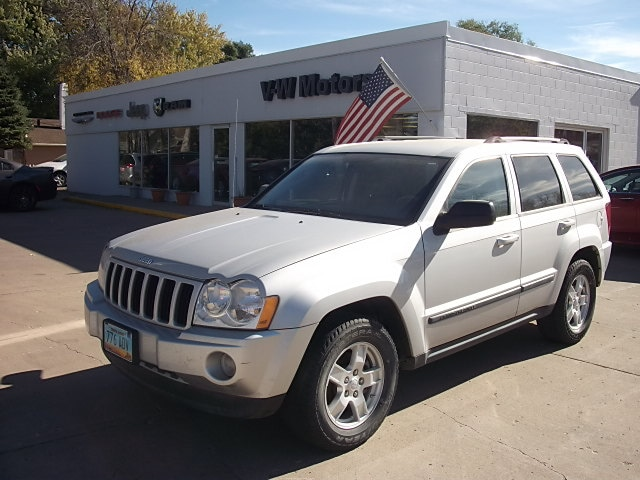 Used 2007 Jeep Grand Cherokee Laredo SUV For Sale In Cooperstown, ND