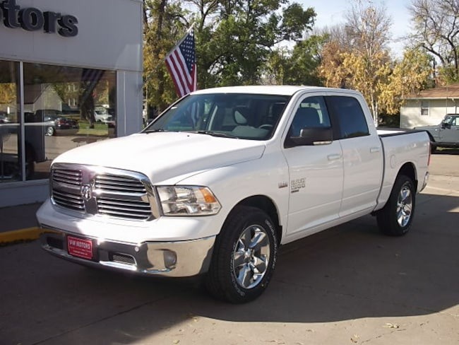 New 2019 Ram 1500 CLASSIC BIG HORN CREW CAB 4X4 5'7 BOX Crew Cab for sale in Cooperstown, ND at V-W Motors, Inc.