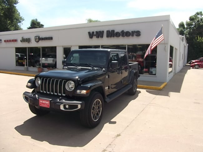New 2020 Jeep Gladiator OVERLAND 4X4 Crew Cab for sale in Cooperstown, ND at V-W Motors, Inc.