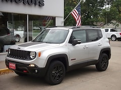 New 2018 Jeep Renegade TRAILHAWK 4X4 Sport Utility 3748 for sale in Cooperstown, ND at V-W Motors, Inc.