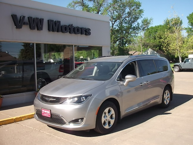 New 2017 Chrysler Pacifica TOURING L PLUS Passenger Van for sale in Cooperstown, ND at V-W Motors, Inc.