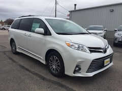 2019 Toyota Sienna XLE 8 Passenger Mini-Van