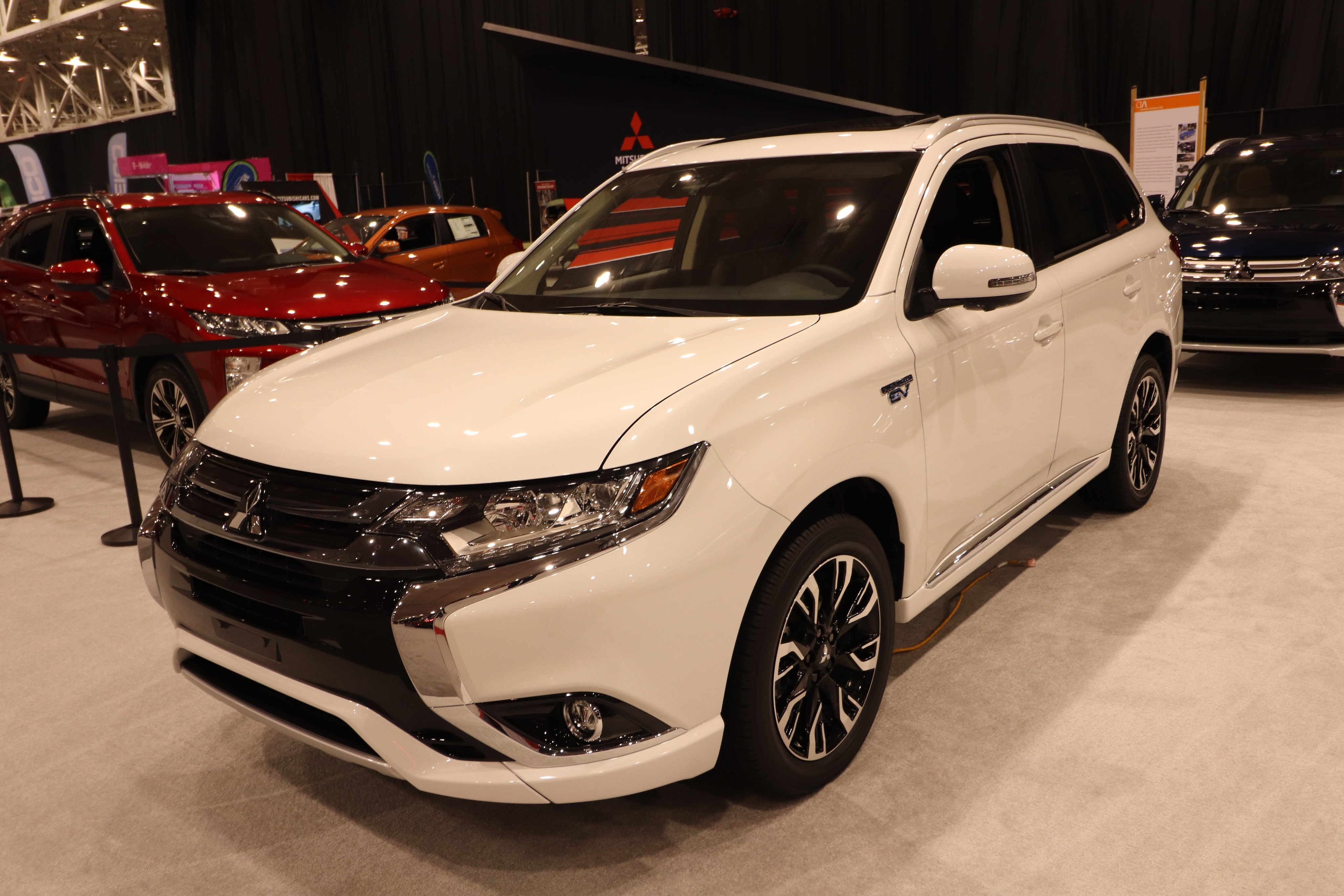 Waikem Mitsubishi Mitsubishi Outlander PHEV Photos From The - Cleveland car show