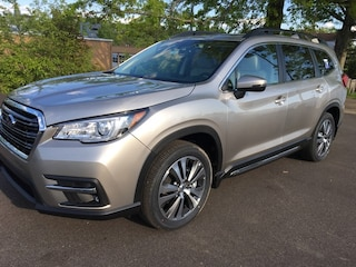 New 2019 Subaru Ascent Limited 7-Passenger SUV SS29922 for sale in Massillon, OH