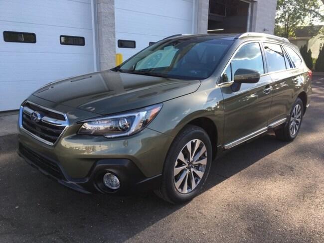 New 2019 Subaru Outback 2.5i Touring SUV for sale in Massillon, OH