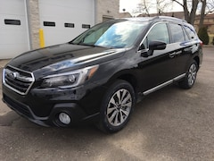 New 2019 Subaru Outback 2.5i Touring SUV SS29213 for sale in Massillon, OH