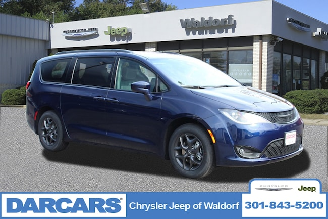 New 2019 Chrysler Pacifica TOURING L Passenger Van Waldorf, MD