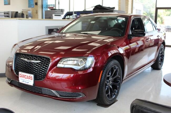 New 2019 Chrysler 300 TOURING Sedan Waldorf, MD