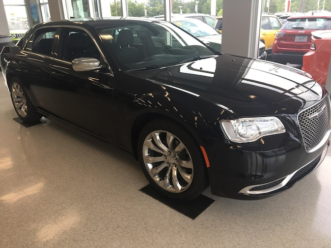 New 2019 Chrysler 300 TOURING Sedan Waycross GA