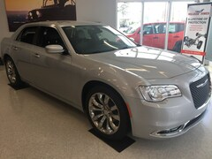 2019 Chrysler 300 TOURING L Sedan 2C3CCAAG7KH590500 for sale in Waycross, GA