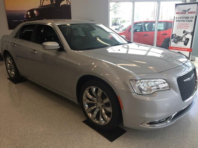 New 2019 Chrysler 300 TOURING L Sedan Waycross GA
