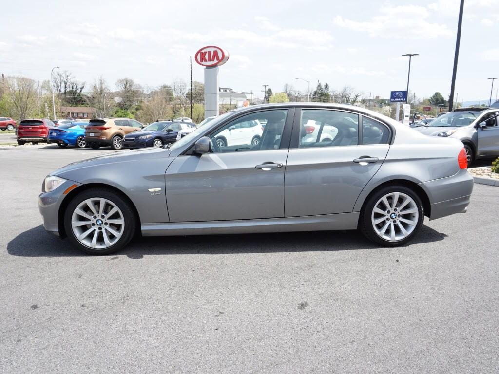 2011 BMW 3 Series Sedan AWD 328i xDrive  Sedan SULEV
