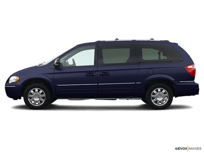 2005 Chrysler Town & Country Minivan Limited  Extended Mini-Van w/ Power Moonroof
