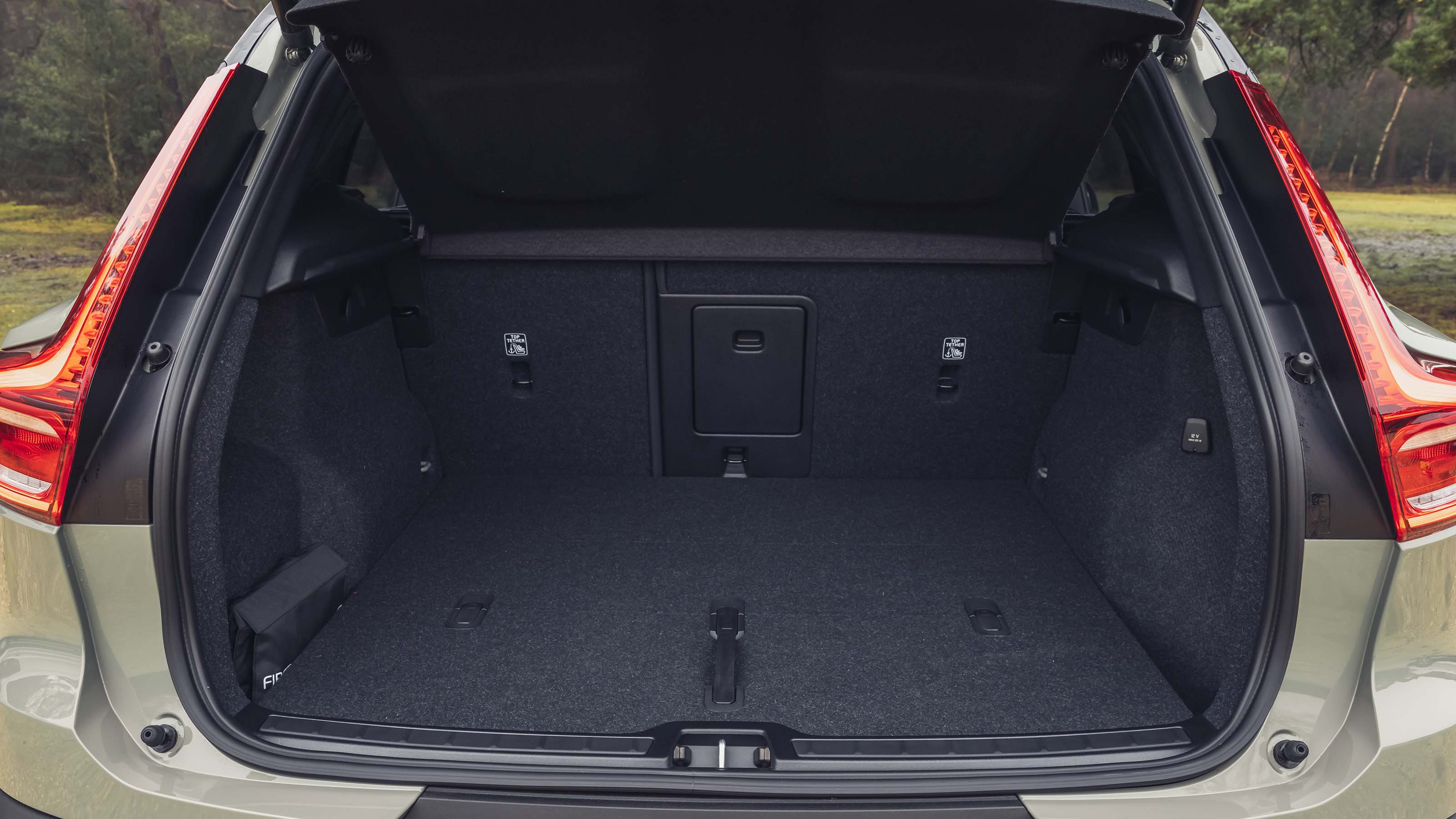 Spacious cargo trunk area inside the all new 2022 Volvo XC60