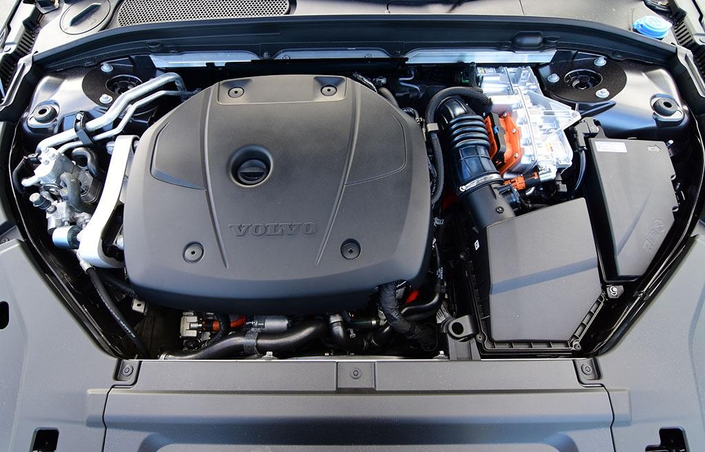 2021 volvo s90 engine