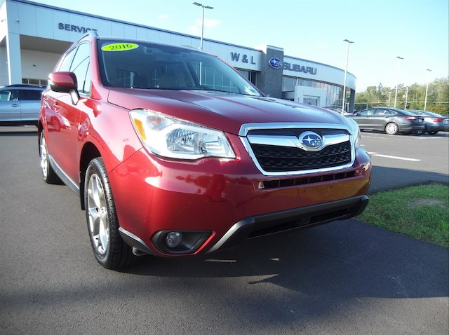 2016 Subaru Forester 2.5i Touring W/Eyesight + Nav SUV